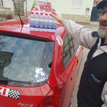 Poklon Minaqua u vozilima Crvenog Red Taxi-ja